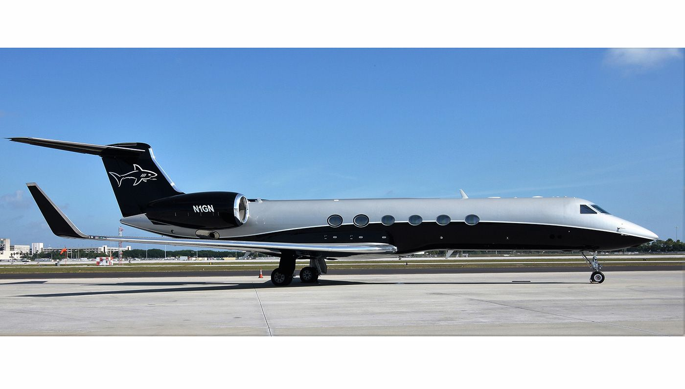 Gulfstream V As Selected By Greg Norman Star Athletes Actors And Business Leaders Reveal Their Favorite Luxurie Gulfstream V Gulfstream Luxury Private Jets