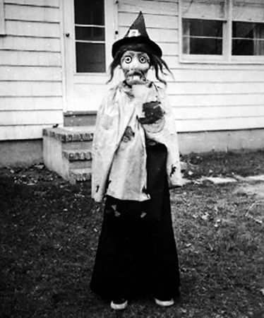 70 Vintage Halloween Costumes That Were Really Creepy | Stuff You ...