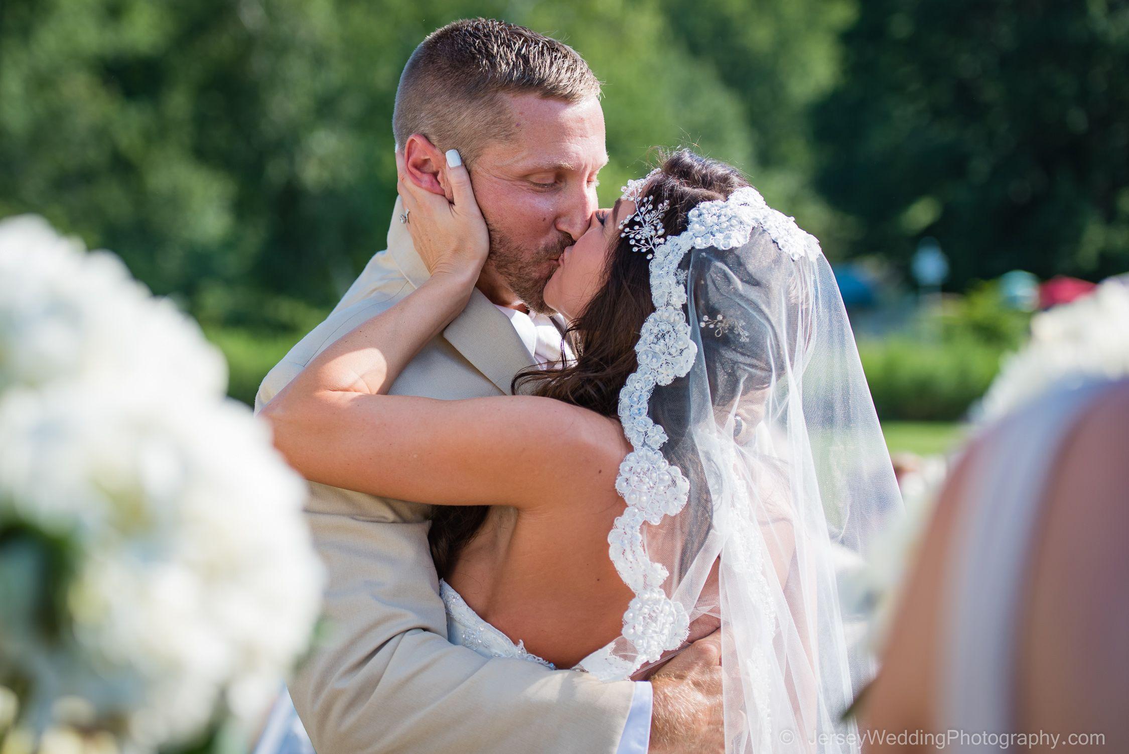 Country girls kiss their men hard! #peronafarms #
