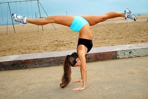 handstand splits