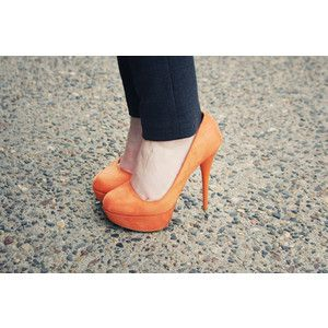 orange pumps;)