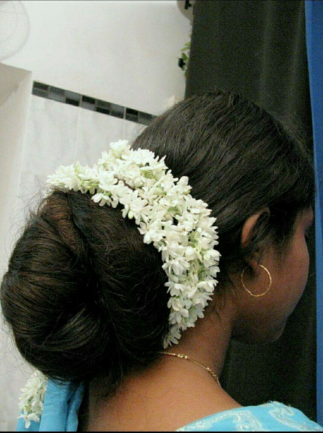 indian hair low bun with jasmine flowers | long hair play