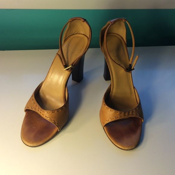 1c6237ca06a Vintage Gucci Heels • 6.5B Vintage Gucci leather tan colored heels in a  great condition