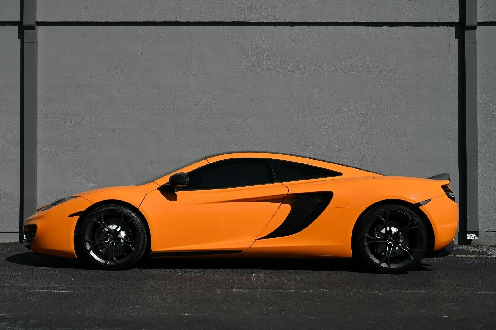 2012 Mclaren Mp4 12c Contact Joel 281 919 6269 In 2020 Supercars For Sale Electric Cars For Sale Super Cars