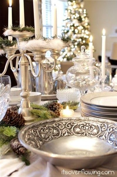 Gold And Cream Christmas Table Decorations