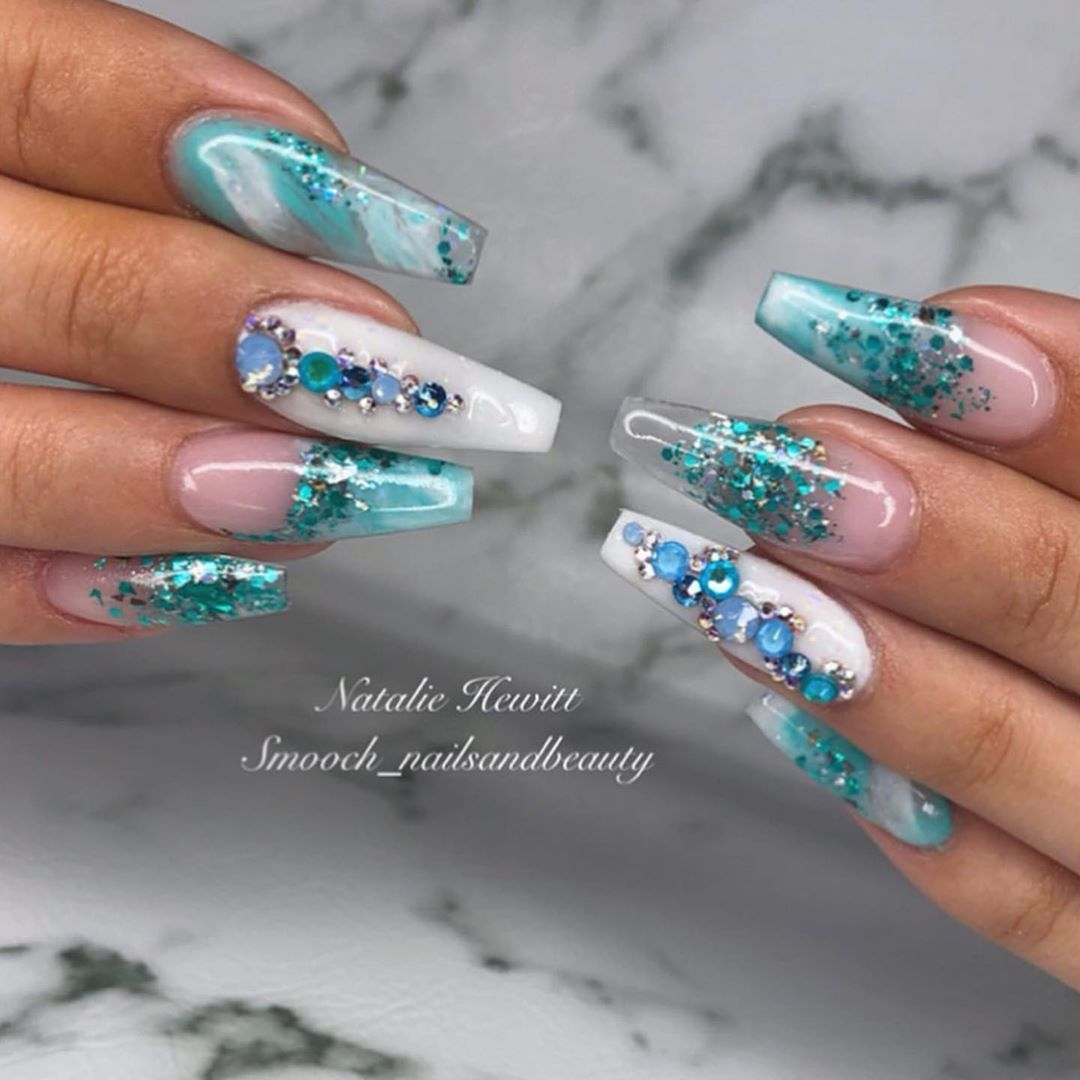 "Photo of Glam og Glits Nails UK / Europe på Instagram: ""#repost @smooch_nailsandbeauty Magisk turkis 💠 Farge brukt: @glamandglitsnailsuk' Vanessa, Dove & Medium Pink '💎. . . . . . . . . . . …"""