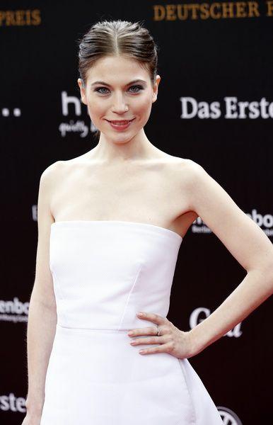 Nora von Waldstätten- hot