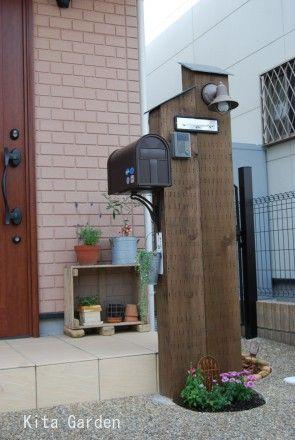 枕木のおしゃれな門柱2 門柱 玄関ポーチ デザイン 玄関 表札