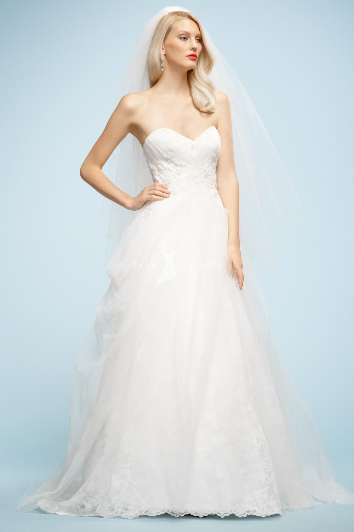 2013 Sweetheart Lace Wedding Dress With Beaded Bodice And Tulle Skirt Sweep Train
