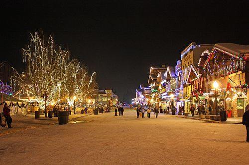 Leavenworth Christmas Lights.Holiday Lights In Historic Downtown Leavenworth Kansas
