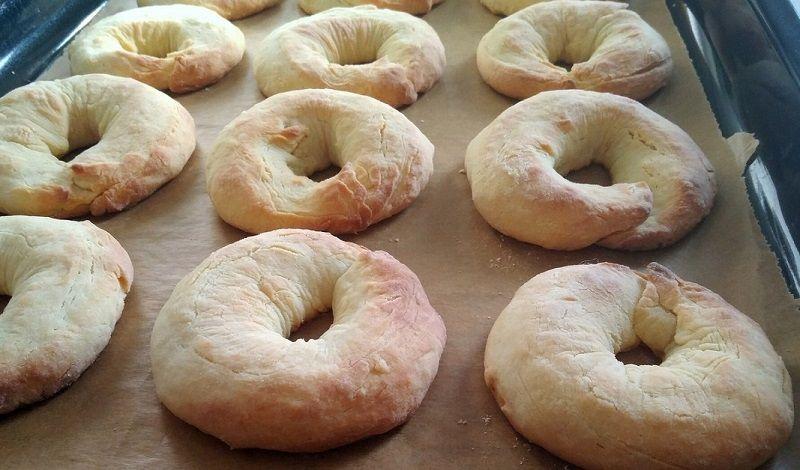 Szybkie Rogaliki Na Smietanie 20 Min I Gotowe Lekkie I Puszyste Kazdemu Zasmakuja Ciotkagotuje Pl Najlepsze Przepisy W Sieci Bagel Food Bread