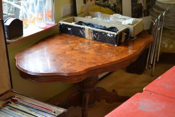 Coffee Table A Lovely Old Ornate Coffee Table It Does Have A