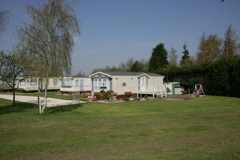 Manor House Park Caravans Church Laneham Retford Nottinghamshire Camping Holiday Accommodation In