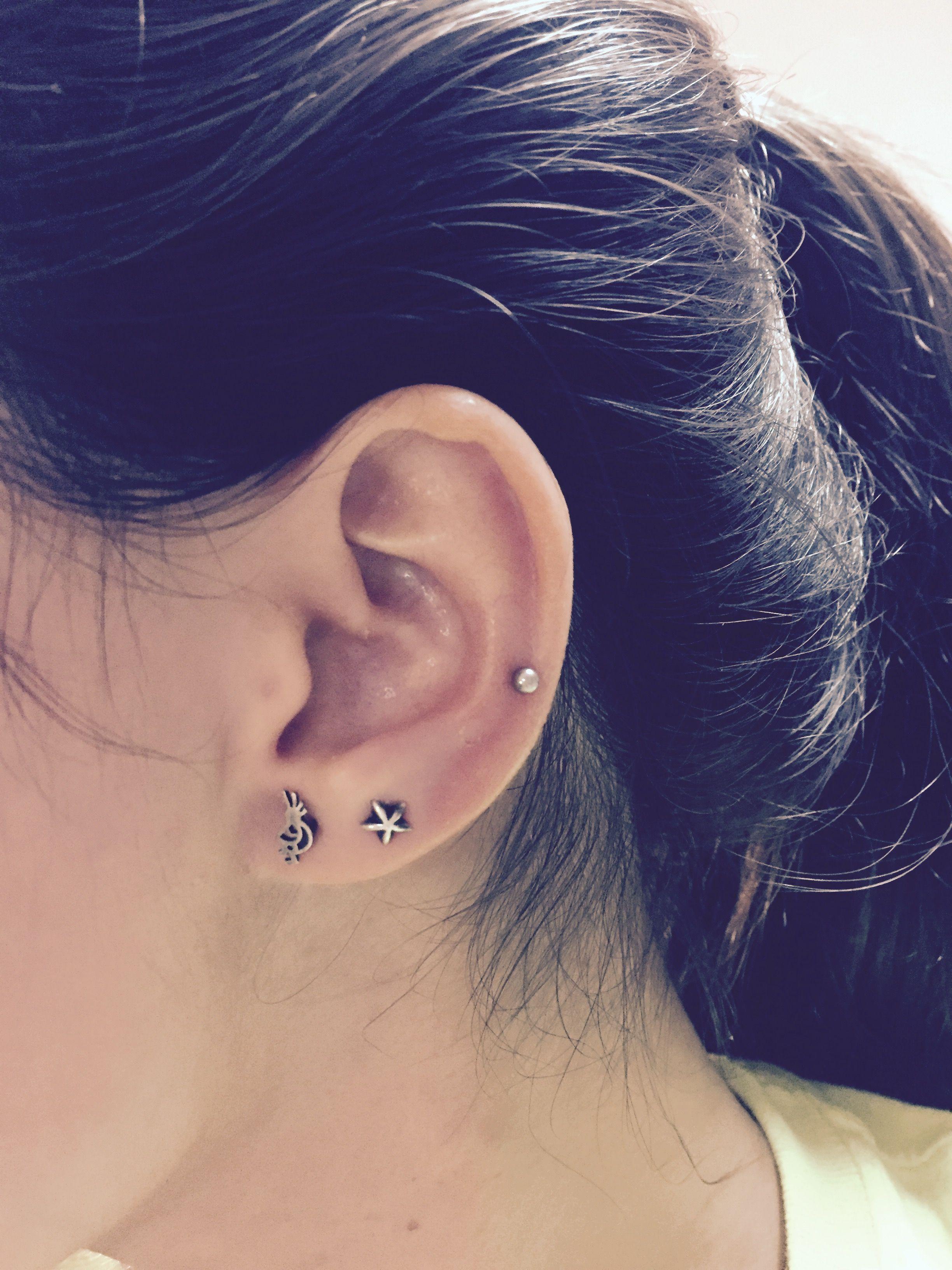 Mid Cartilage Piercing And Double Earlobe Heart Earrings Studs