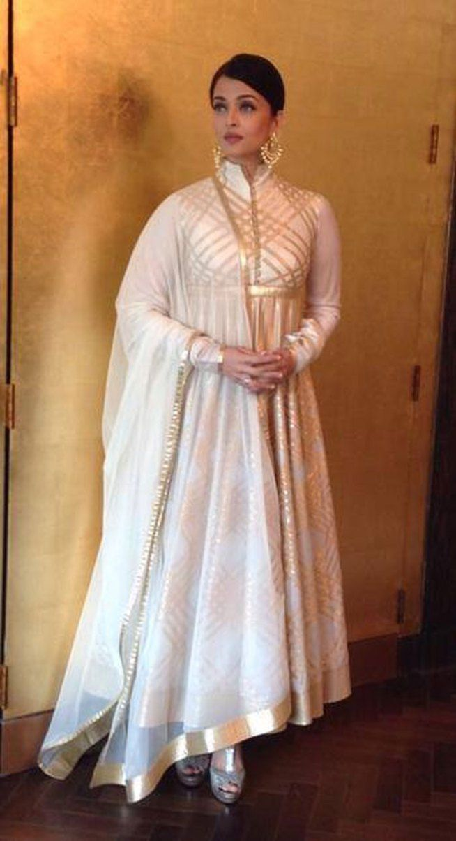 aishwarya rai bachchan at a promotional event for kalyan jewellers