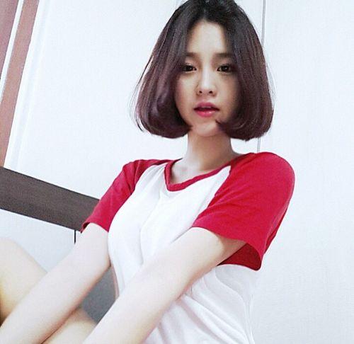 Asian Pretty Girl Good Looking Ulzzang Seoulessx Short Hair Styles Shot Hair Styles Beauty Girl