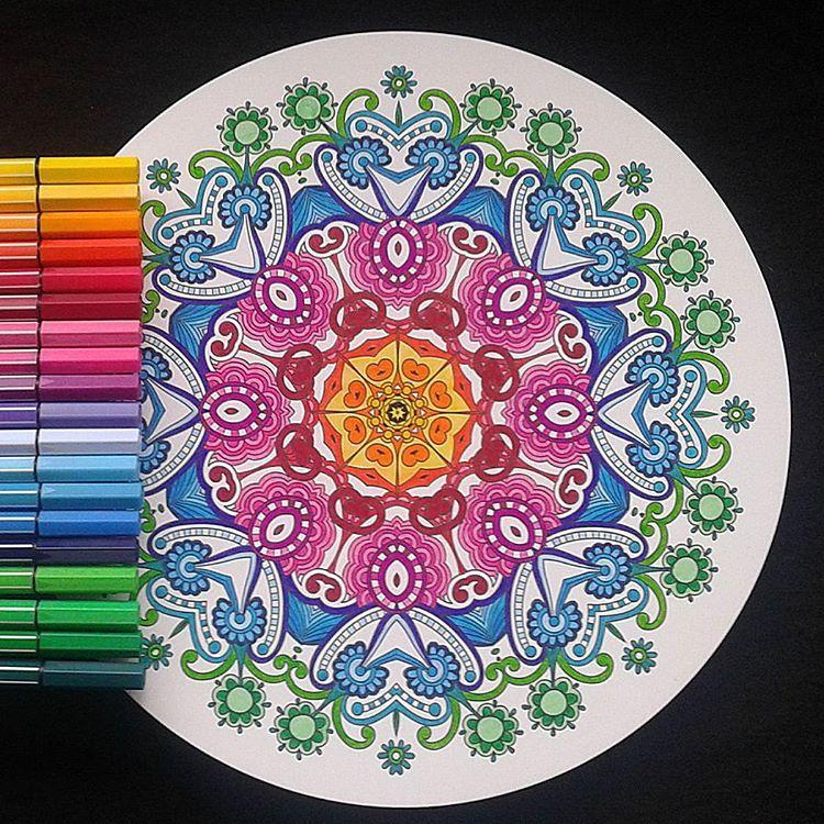 """Nr 24 #100creatiesmandala #mandala #stabilo #kleurenvoorvolwassenen"""