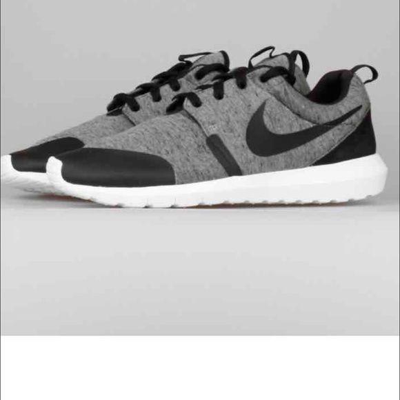 best cheap 72254 64b2f Brand new Nike Roshe