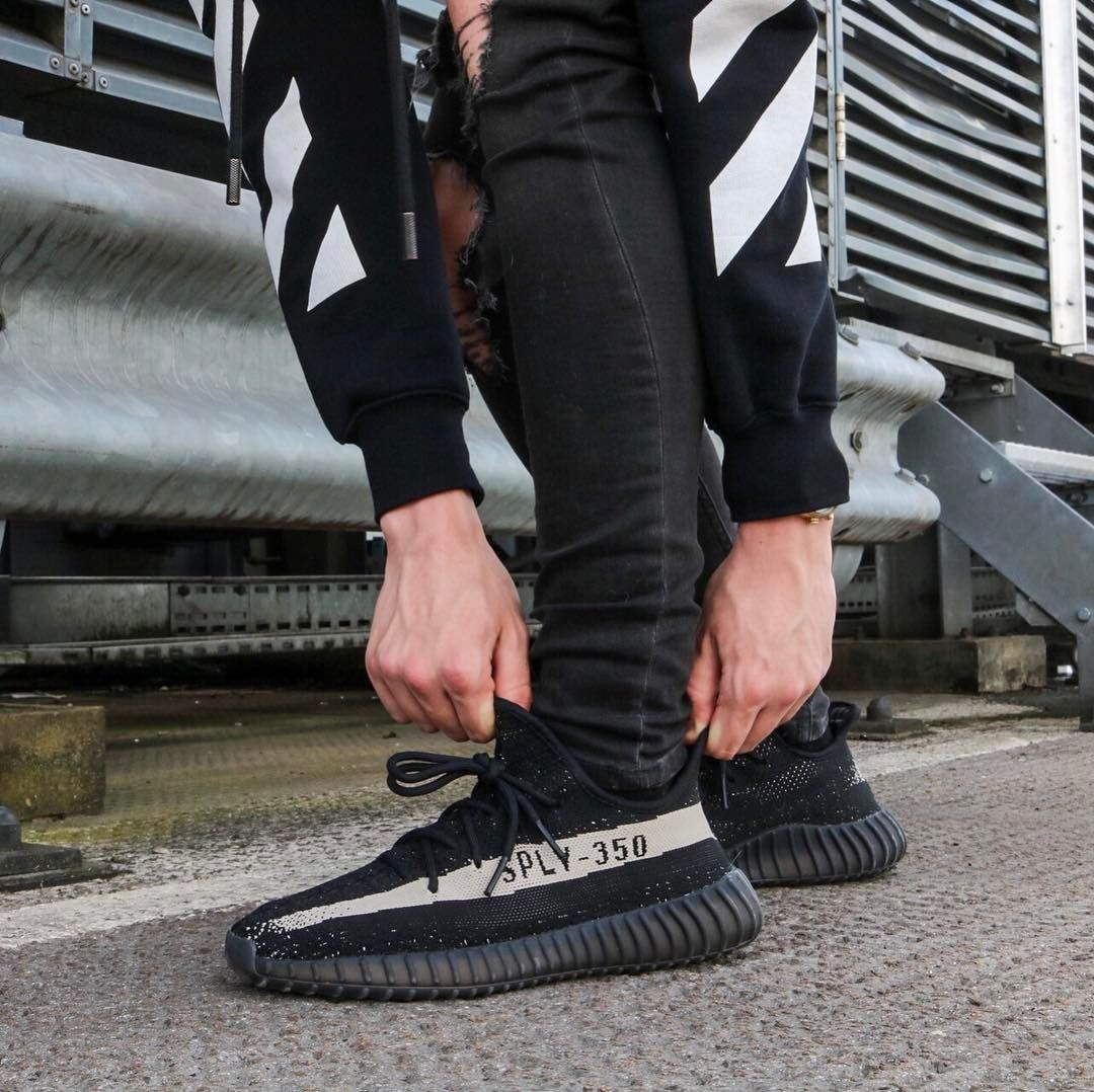 size 40 cccac 777e2 Yeezy Oreo #offwhite | My shoes in 2019 | Fashion boots ...