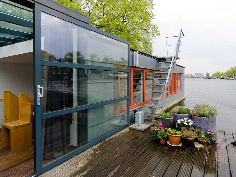 15 Stylish Houseboats For Sale And For Rent Houseboat Living