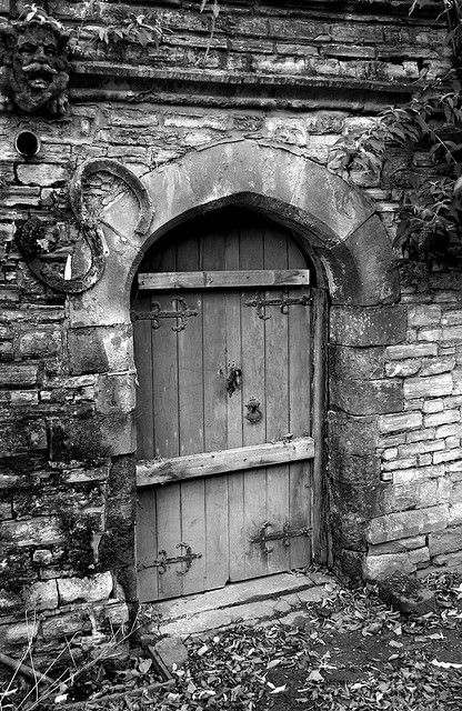 old door in the churchyard at Holy Trinity Church in Stratford-on-Avon & Old Door 2 S is for Shakespeare? | Avon Churches and Doors pezcame.com