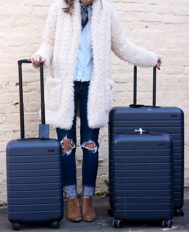 Bewertung Des Reisegepacks The Away Large Suitcase Bewertung Bewertung Des Large Reisegepacks Luggage Reviews Travel Luggage Suitcases Large Suitcase