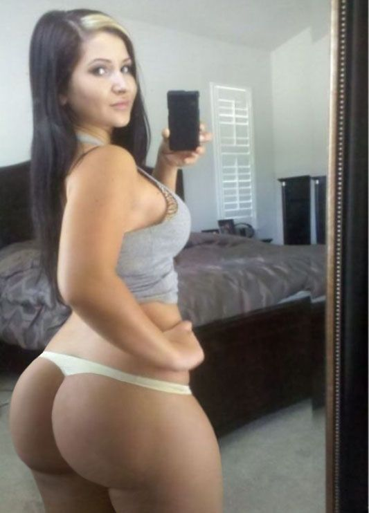 Naked latina mom selfies