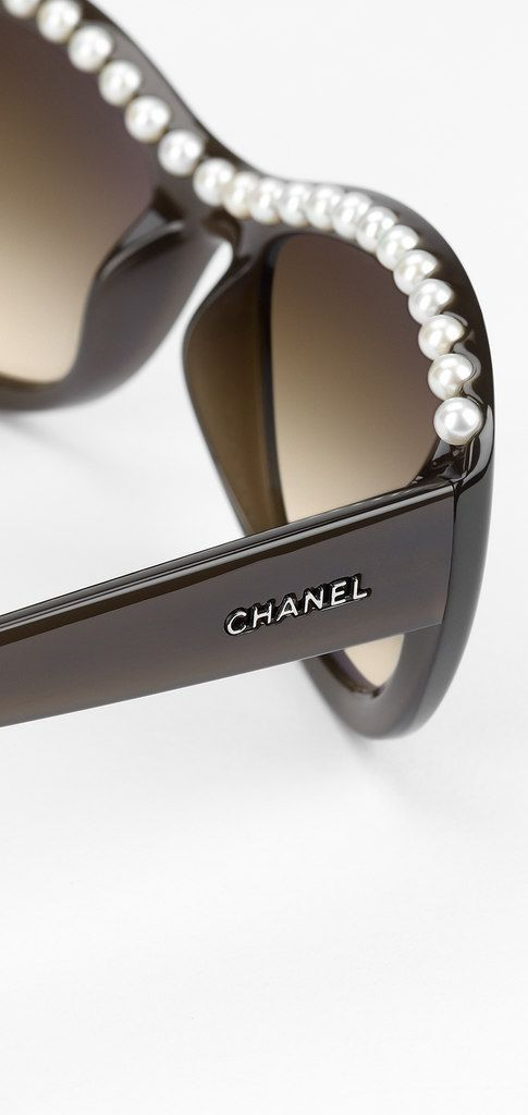 Chanel Beauty Fashion In 2019 Chanel Sunglasses Chanel Pearls
