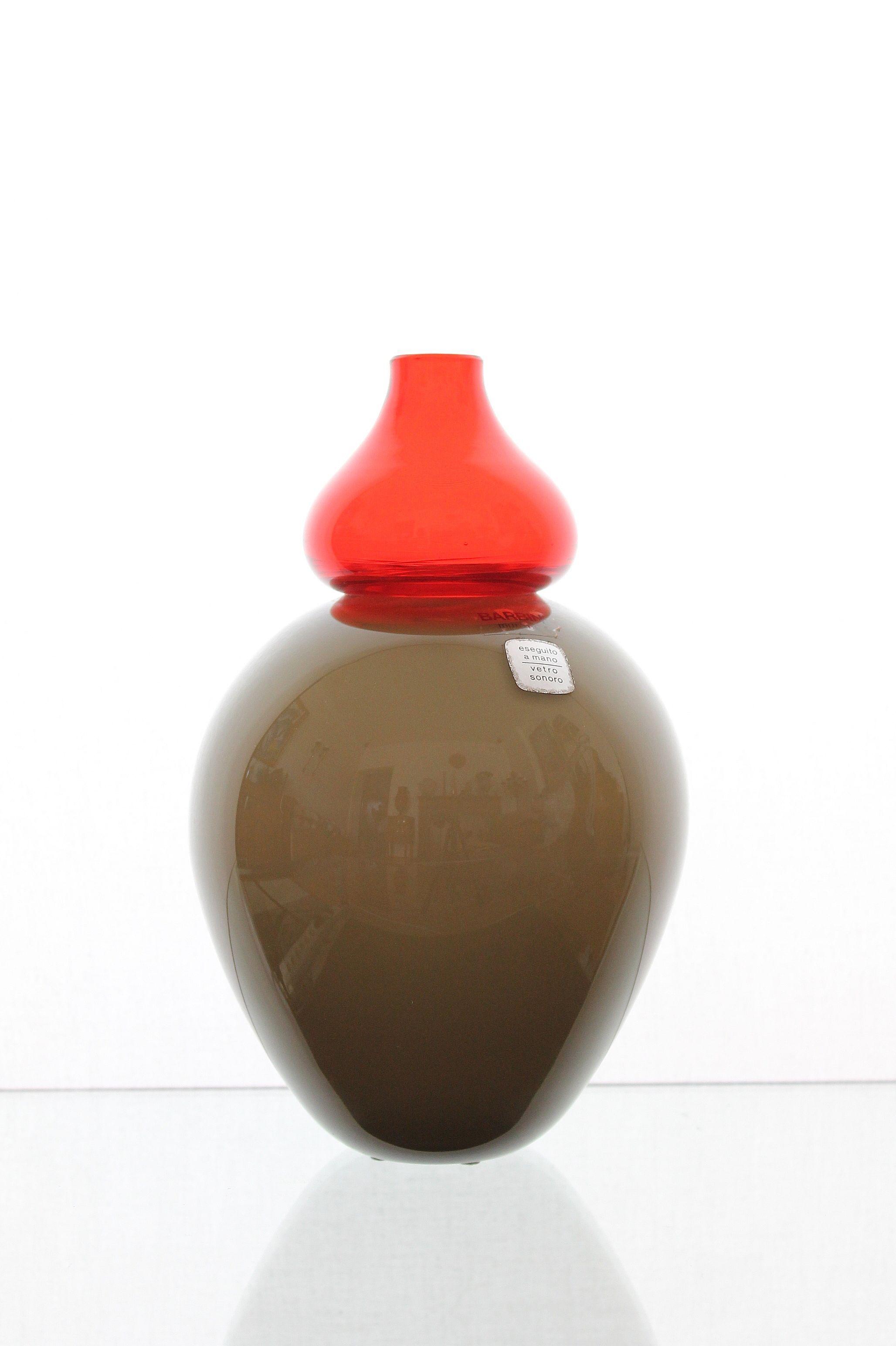 "Alfredo Barbini, Murano Art Glass Vase ""Orientale"". For more information: http://tillipan.com/alfredo-barbini-vase/barbini-murano-2/"