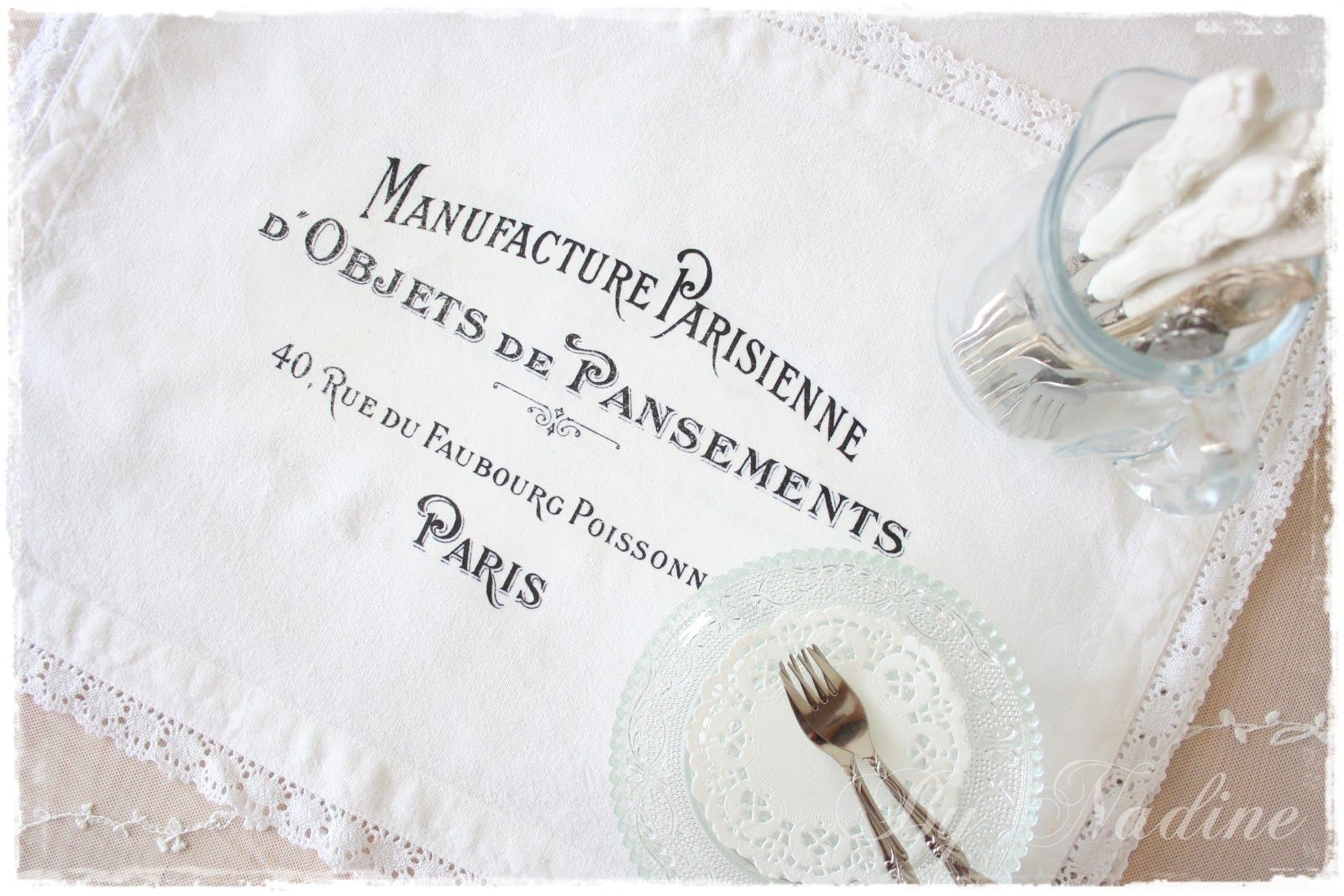 Table runner in French style