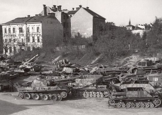 Dumped, destroyed and damaged armored vehicles of WWII