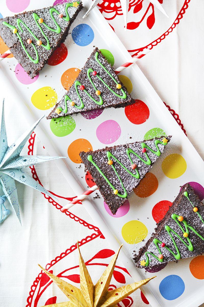 Suklaasta saa kyllä varmasti tarpeekseen joulun aikaan, mutta browniet maistuvat aina, vai mitä?   Tule, niin taiteillaan brownieis...