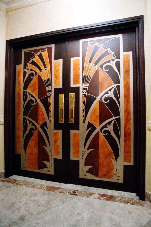 Art Deco beschilderde deuren, geïnspireerd door de Lift deuren in het Chrysler Building, New York / Art Deco painted doors, inspired by the Elevator doors in the Chrysler Building, New York.