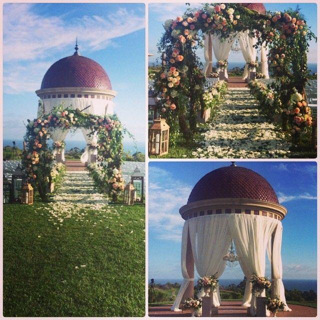 Beautiful wedding venue at the Rotunda at Pelican Hill ...