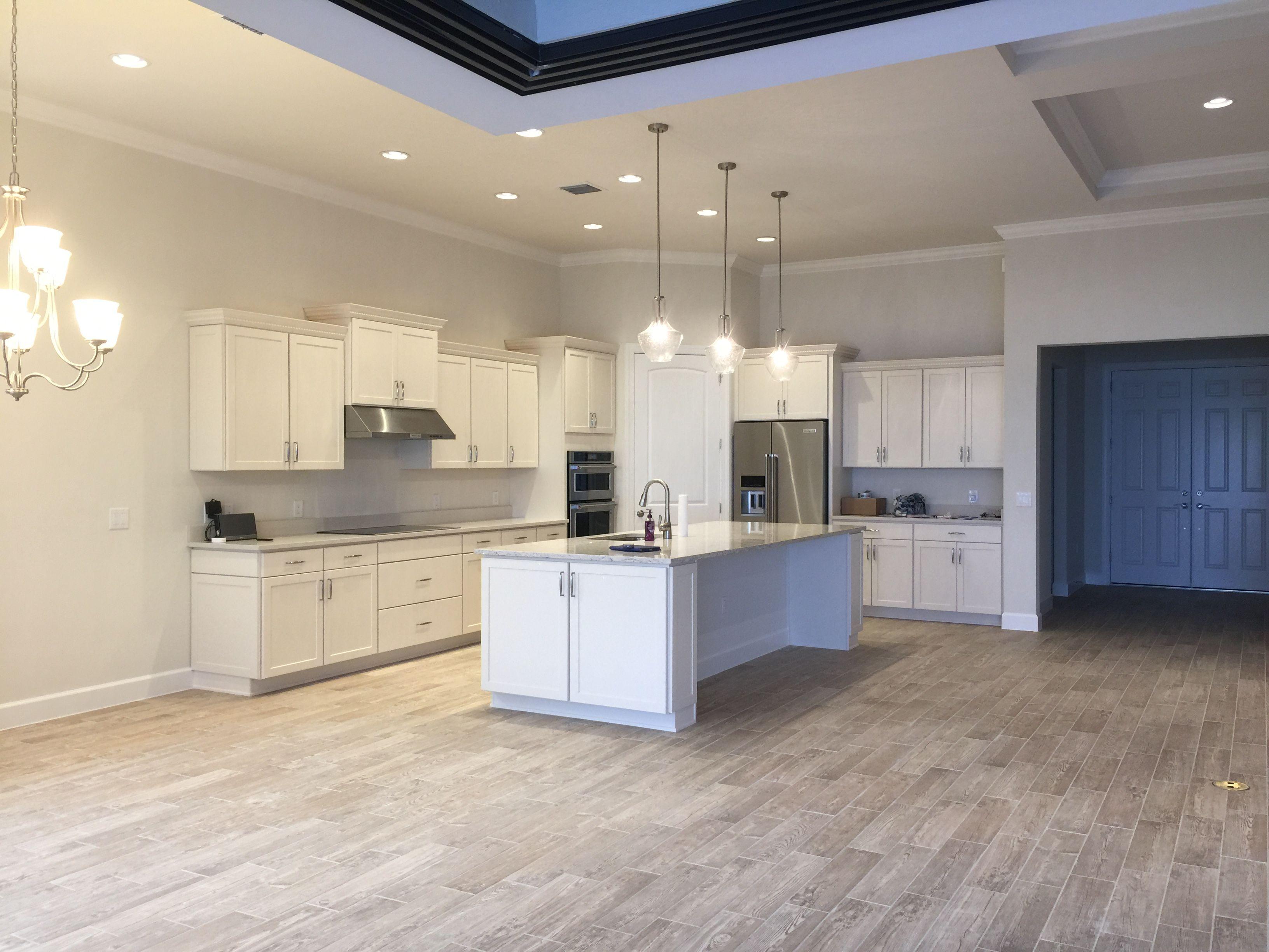 Best Off White Shaker Kitchen Cabinets Quartz Countertops 400 x 300