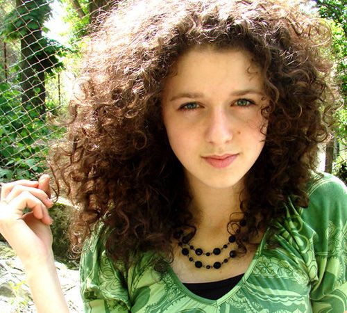 This Is How I Wish My Curls Looked All Too Often The Beauty Of Curly Hair Lost To Elastic Band