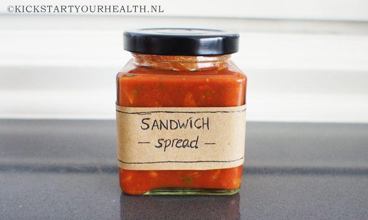 Een gezonde sandwich spread maak je heel gemakkelijk zelf. Dit recept is suikervrij, glutenvrij, lactosevrij en vegan! Er zijn talloze variaties mogelijk.
