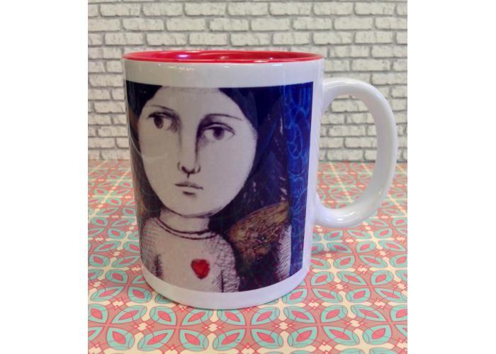 Sandías es una taza de cerámica impresa con diseño original de la artista Leticia Tarragó.  Leticia Tarragó es una reconocida artista mexicana su obra forma parte de importantes colecciones de lugares como Estados Unidos de América, Yugoslavia, Canadá, Rumania, Bélgica y otros.