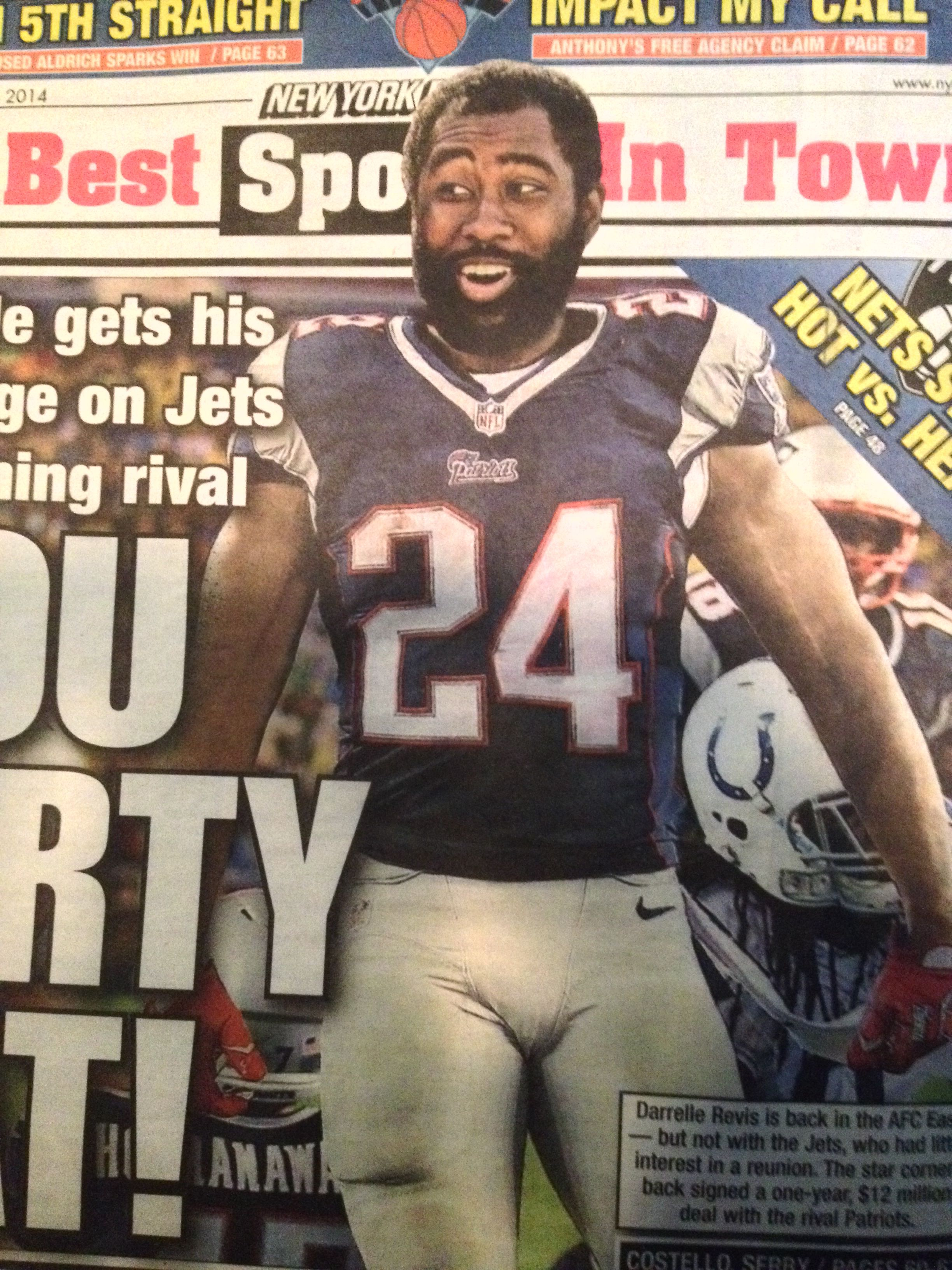 The Most Narcissistic Douche In Football Ms Revis It S Not Darryl As Dar Ell It S Darelle As In Da Rell The B Sports New England Patriots Darrelle Revis