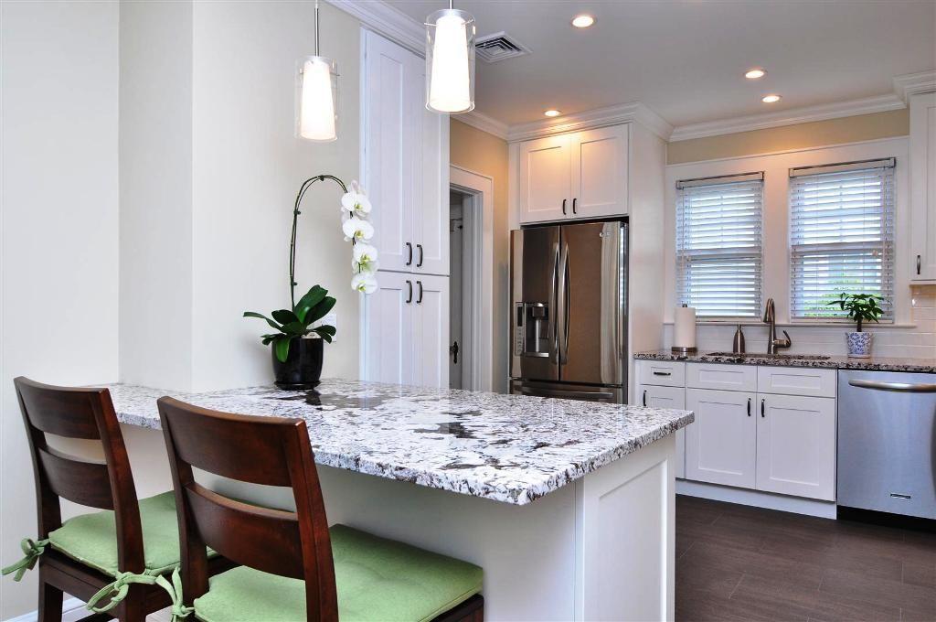 Best White Shaker Cabinets Lowe S White Shaker Kitchen 640 x 480