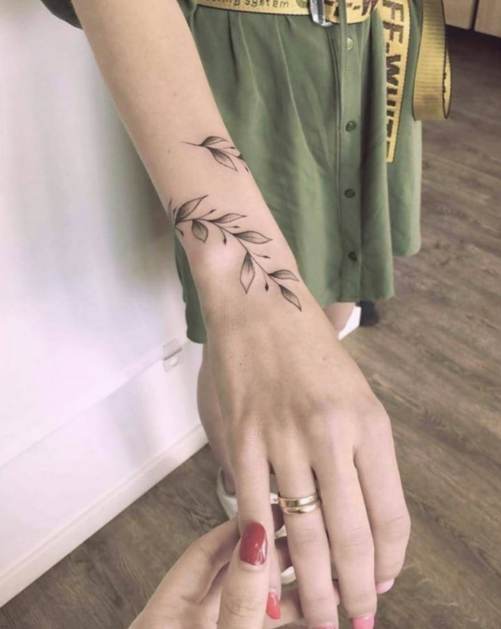 Photo of ✔ Tattoo hand women small #blackworkers #darkartistries #blackink