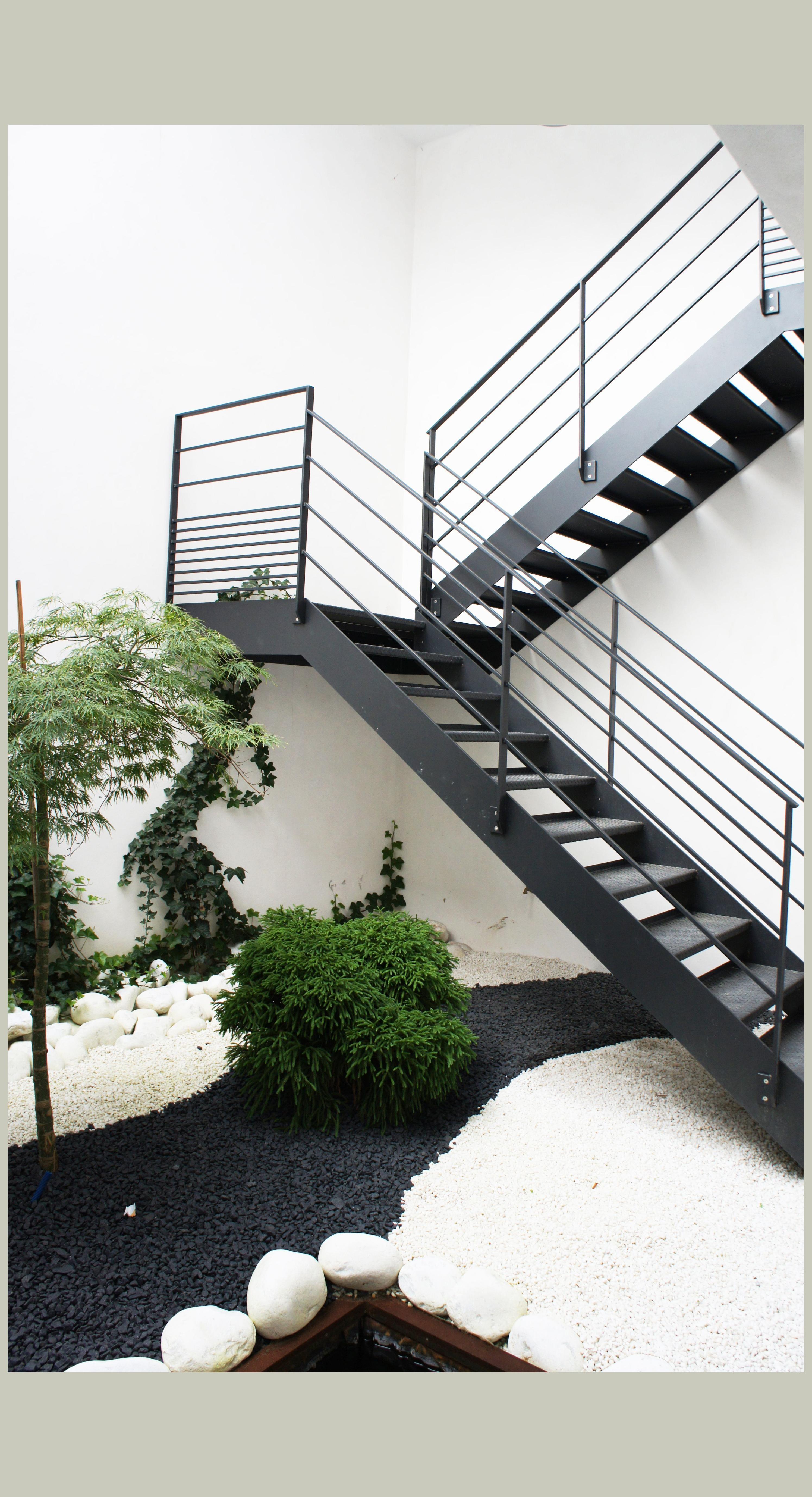 Escaleras Modernas De Concreto Para Exteriores