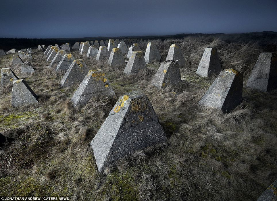 The Dragon Teeth, Riegelstellung Dune, BPT: Used to slow down tanks and mechanised infantry, landmines were often placed between the teeth. History shows the defences were unable to hold back the Allied invasion