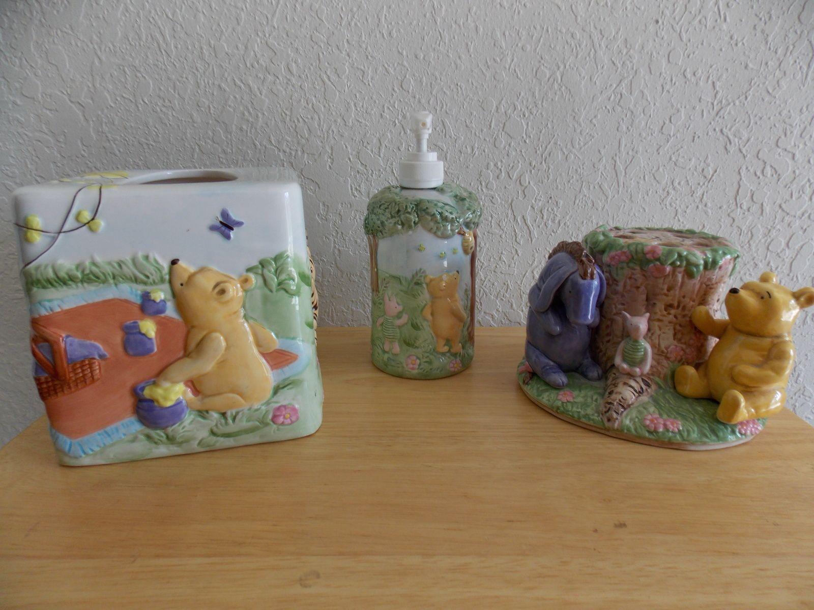 Disney Classic Winnie the Pooh 3pc. Ceramic Bathroom Accs. Set ...