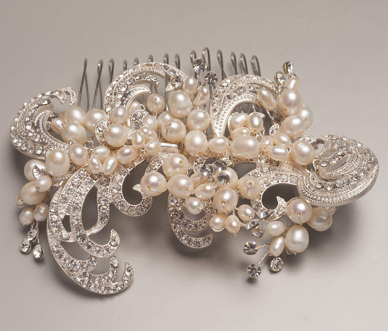pearl and crystal hair comb. #weddinggown #weddinginspo