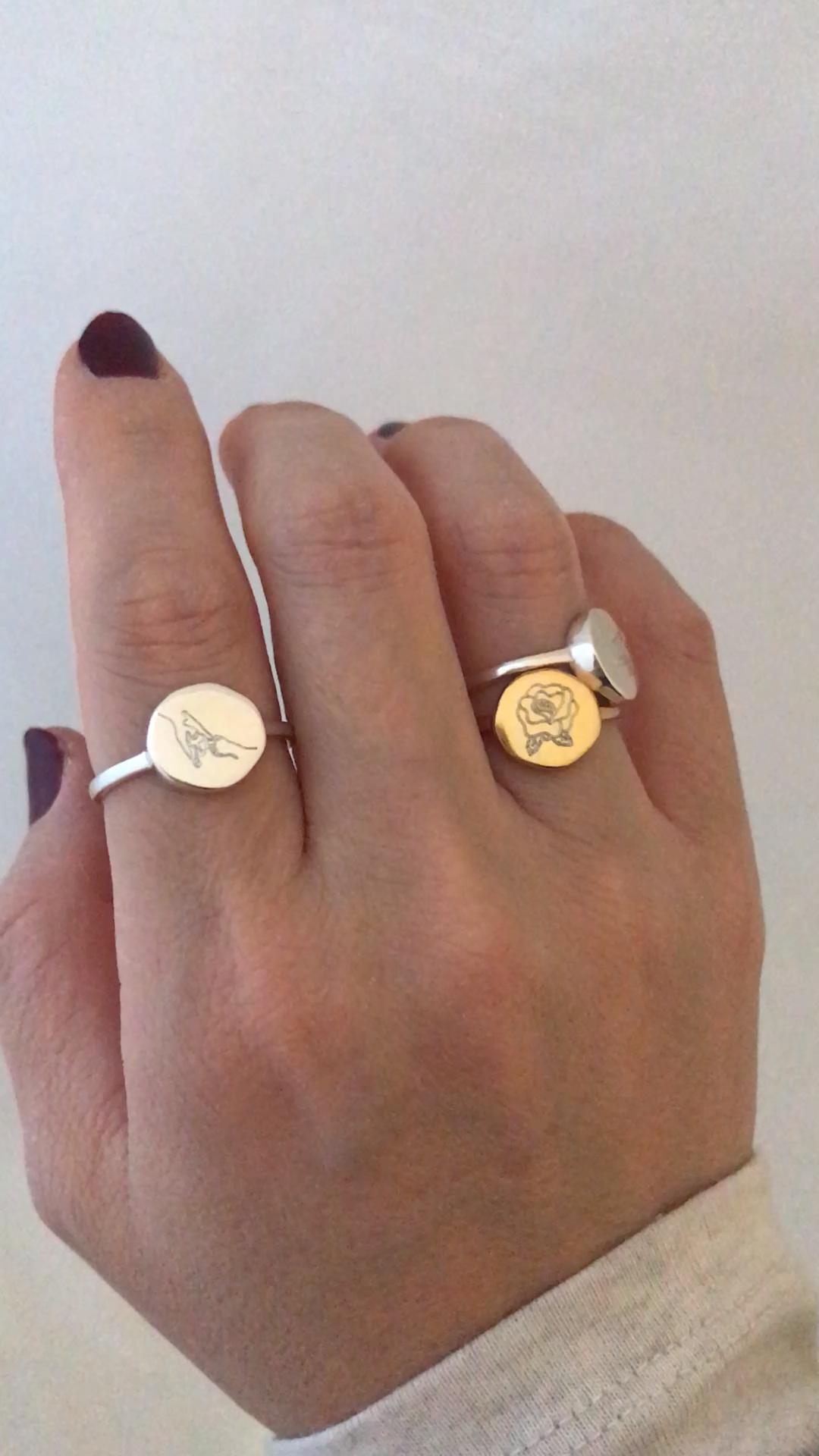 Organic shape signet rings with art