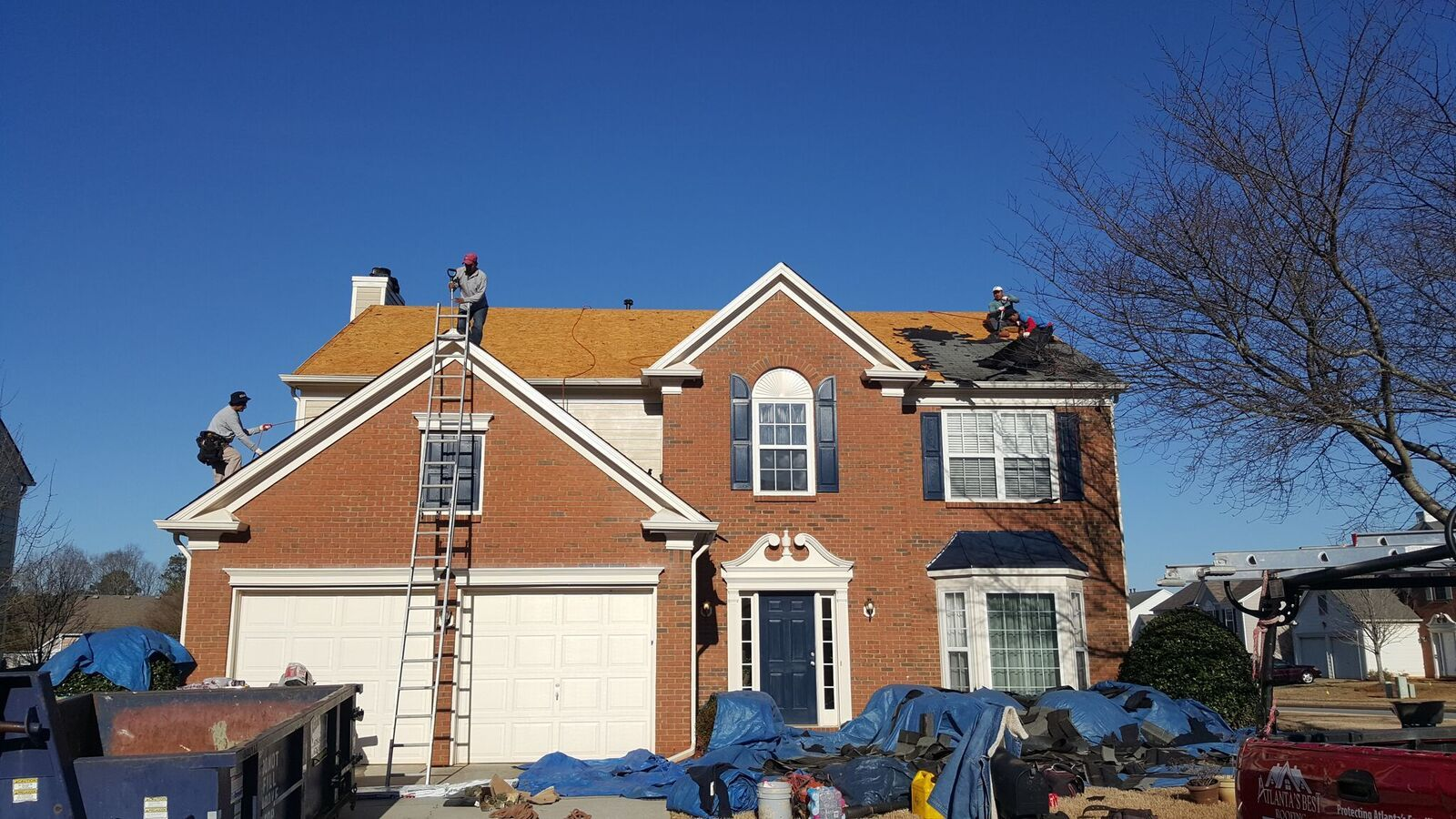 Call Us For Professional Atlanta Roofing Contractor Also In Marietta Acworth Kennesaw Is A Full Service Home Roofing Roofing Contractors Roofing Roof Repair