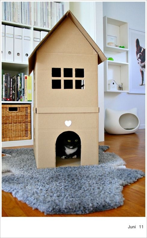 366 Day 163 169 Chez Larsson Cat House Diy Cardboard Cat