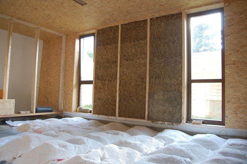 beton streifenfundament auf bruch schotter bis frostgrenze als basis f r eine strohballenwand. Black Bedroom Furniture Sets. Home Design Ideas