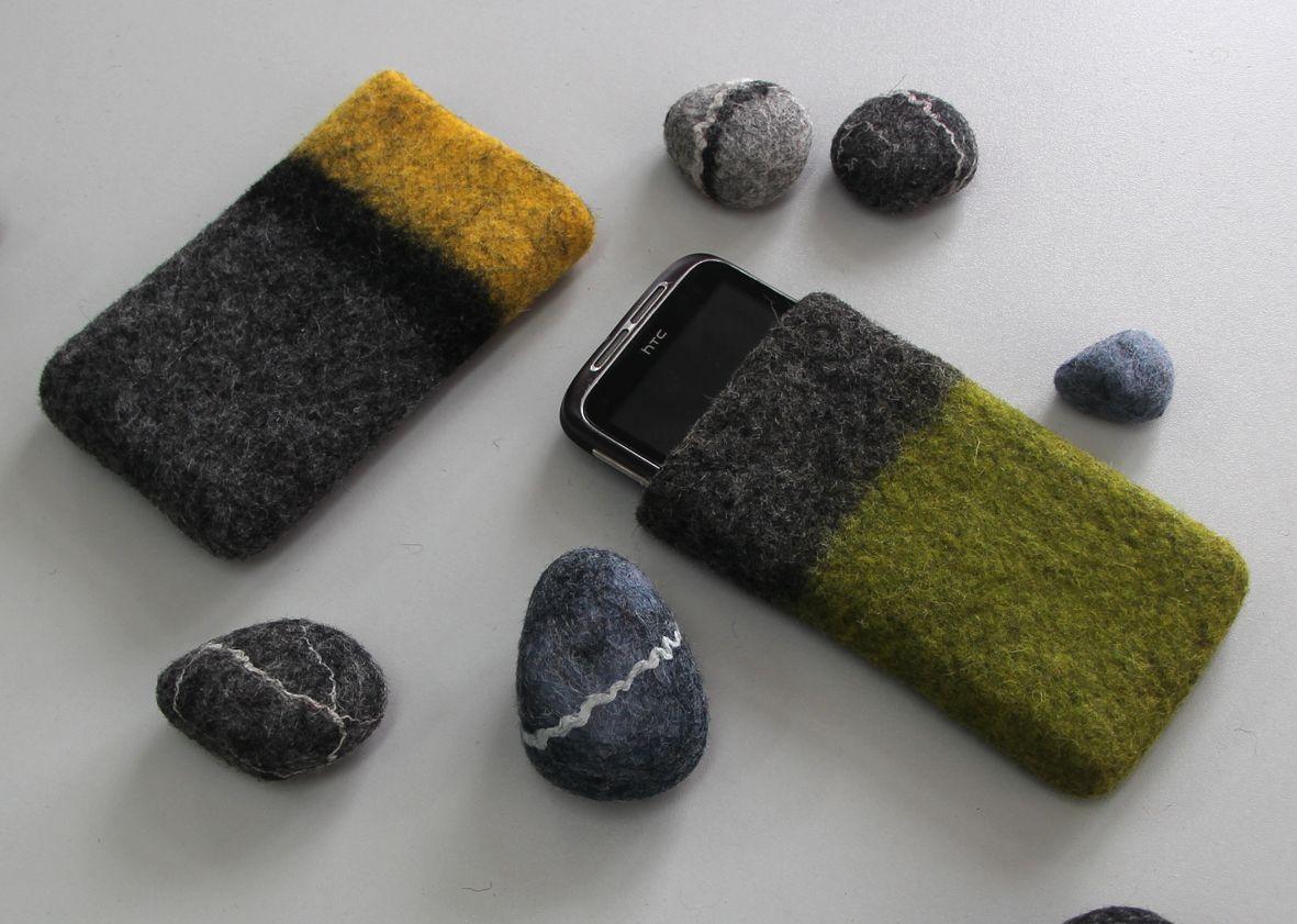 Felt sleeves. Cases for phone. 100% wool. Handmade.